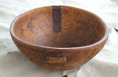 RARE ca. 1800 PLAINS NATIVE AMERICAN INDIAN HAND HEWN BURL WOOD POTLATCH BOWL