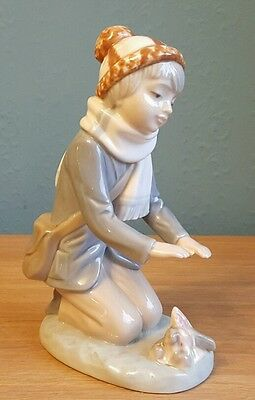 Vintage 1982 LLadro / Zaphir Porcelain Figurine Spain ~ ( IT'S COLD )