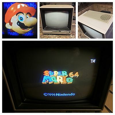 Commodore 64 1702 computer monitor. VERY NICE CONDITION Tested & Working 100%