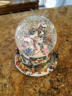MUSICAL WATER CHRISTMAS Snow globe LARGE