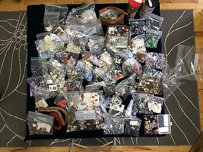 SUPERB COLLECTION OF HUGE Lot of VINTAGE CLOTHING BUTTONS 15.4 LBS & SEWING KIT