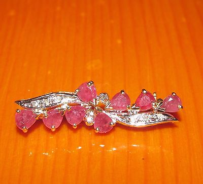 BEAUTIFUL SECONDHAND  9ct YELLOW GOLD  RUBY & DIAMOND BROOCH