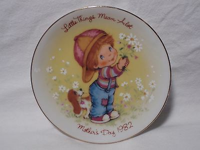 1982 Avon Little Things Mean A Lot Mother's Day 5 inch Plate