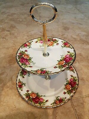 Royal Albert Old Country Roses - 1962 - 2 Tier Cake Stand