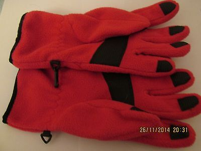 Ladies Pink Gloves/90% Polyester - 10% PVC / UK Designed. Size M.