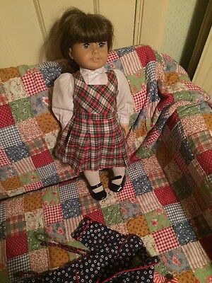 American Girl Doll Molly With Dressing Gown And Pyjamas