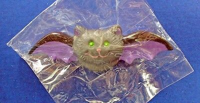 Buy3/Get1FREE~MIP RUSS Halloween Pin Black BAT w Purple Wings Vtg BROOCH HK