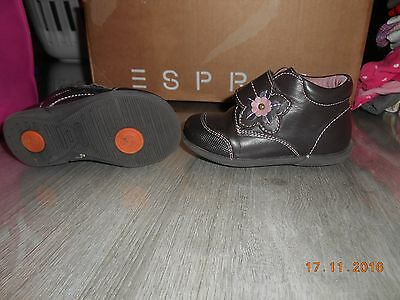 Chaussures synthétiques brunes pointure taille 23 NEUVES