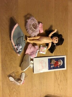 1988 Dark Hair Ginny Doll W/ Poodle Skirt Outfit-stand-faux Album-brush-comb