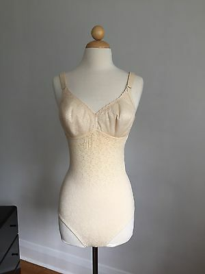 FABULOUS VTG SEARS Padded Cups Bra Bodysuit Shapewear Lingerie SZ 36C Mint!