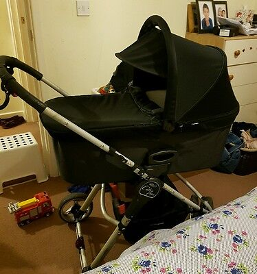Black baby jogger deluxe carrycot !!!