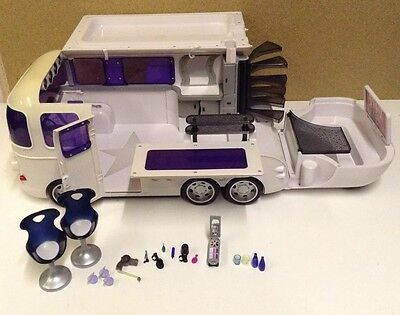 Large Bratz Movie 2004 Pearl White Tour Bus With Toys & Accessories