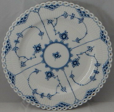 Royal Copenhagen Blue Fluted-Full Lace Luncheon Plate (1085)