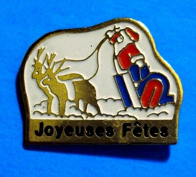 Christmas - Santa Claus - Happy Holidays (French) - Reindeer - Vintage Lapel Pin