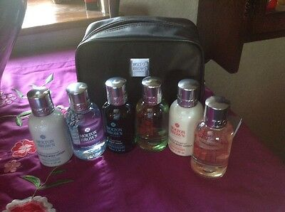 Molton Brown Unisex Stowaway Travel Gift Set Case & 6 X 100ml Products