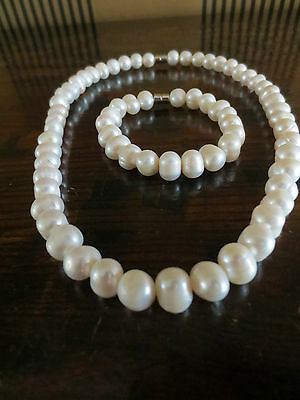 GENUINE OCEAN SALTWATER CULTURED LUSTER PEARLS NECKLACE AND BRACELET. New!