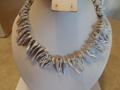 Vintage Gray Spike Shell Necklace D1