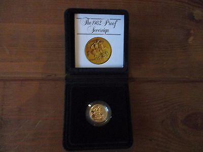 1982 Royal mint FULL gold proof sovereign with box and COA mint condition