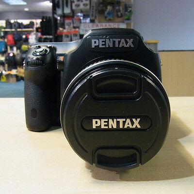 Used Pentax 645D with 55mm f2.8 lens (7169 actuations) - 1 YEAR GTEE