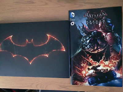 Batman Arkham Knight Artbook + Comic BRAND NEW ps4