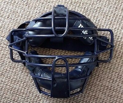 Wilson A3028 Adult Umpire / Catchers Baseball Cage Face Mask
