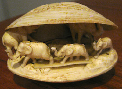 Collectable Retro  Elephants In Shell Figural Ornaments (83)