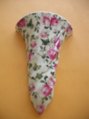 Wall Pocket pink and white flowers vintage