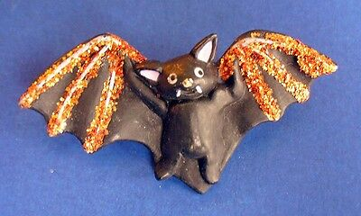 Buy3/Get1FREE~Fun World PIN Halloween BAT Black VAMPIRE GOLD Glitter Vtg Holiday