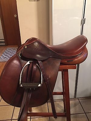 HDR Close Contact English Saddle 16.5 Med Tree W/fittings