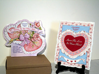 Cherished Teddies 2 VALENTINE Easel Displays LOVE IS IN AIR & SHARE LOVE IN HRT