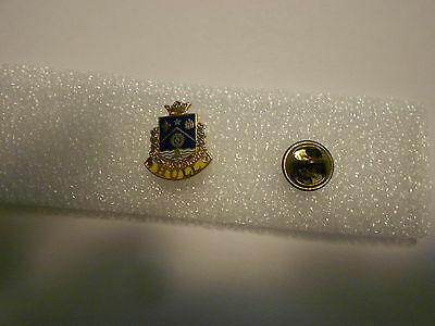 Hull Quebec Soyons Coeurs Francs Coat Of Arms pin