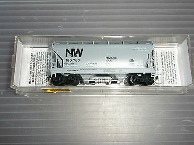 MTL 2 bay covered hopper,92050,used,Norfolk & Western,#180783,nice clean car.