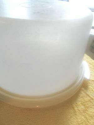 Tupperware Cake Container
