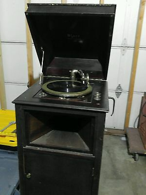 Starr phonograph wind up record player