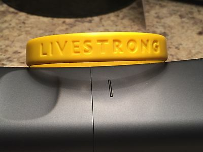 LIVESTRONG Yellow Silicone Wristbands Bracelet