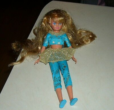 HOLLYWOOD-HAIR-SKIPPER-LOOSE-1993-BARBIE  preowned, shoes included