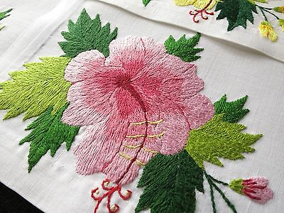 HIBISCUS ~VIBRANT & COLORFUL~ Vintage 3-D Hand Embroidered Linen 8 PLACEMATS