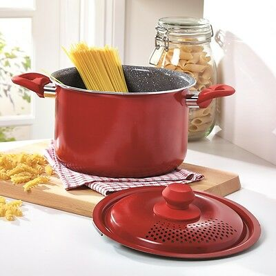 Family-Size 4L Durastone Pasta Cooking Pot With Locking Strainer Lid.