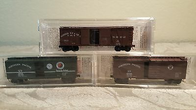 Micro trains N scale set of 3 Northern Pacific box cars NIB