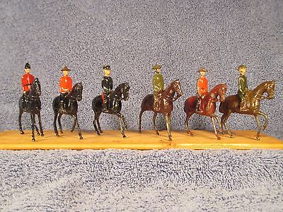 "Britains ""B"" Series Mounted Soldiers   All 6 Pieces"