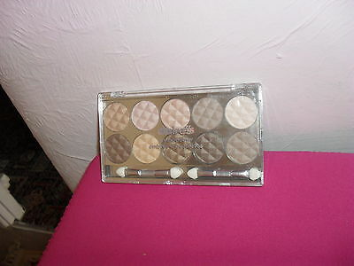 Claire's Girls and Womens 10 Piece Natural Eyeshadow Palette in Natural