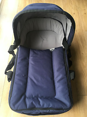 MOUNTAIN BUGGY Universal Navy CARRY COT With Rain Cover in VGC