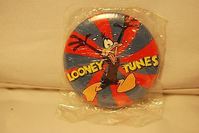Vintage Daffy Duck Looney Tunes Button & Pin Badge