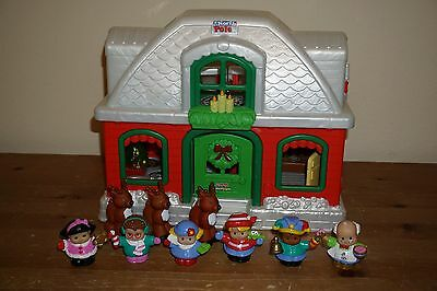 FP Fisher Price Little People North Pole Christmas Holiday Cottage Lights Sounds