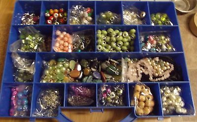 Large lot of mixed beads in carry case - Includes polished agates and 925 silver