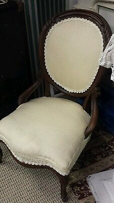 Victorian Antique Carved Walnut Balloon Back Chair