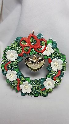 "Heirloom Collection ""The Heart of Christmas"" wreath locket ornament 1993 box"