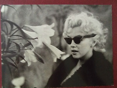 80s Marilyn MONROE POSTCARD Actress Movie Star 50s in sunglasses with lilies