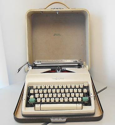 Vintage Olympia Deluxe Typewriter Manual Portable w/Case Western Germany