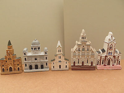 9 miniature churches from Colombia